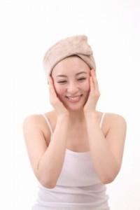 肌トラブルを改善できるパウダータイプの酵素洗顔の使い方とは?