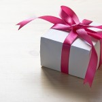 忘年会のプレゼント交換!予算別におすすめを一挙公開!